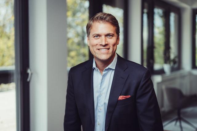 Dr. Arnd Halbach